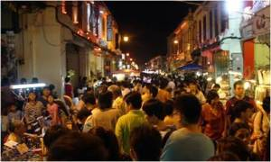 The crowd along Jonker Walk