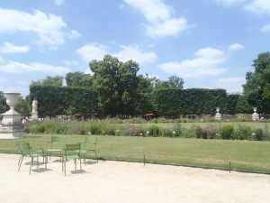 I took a break at Jardin des Tuileries, sitting down and enjoying the sunshine, and reflecting on the trip