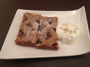 Linzer Torte - Crumbly pastry with cinnamon, lemon and redcurrant delight!